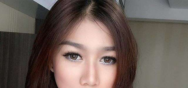 Putri Poyz Model Dan Fdj Hot Foto Selfie