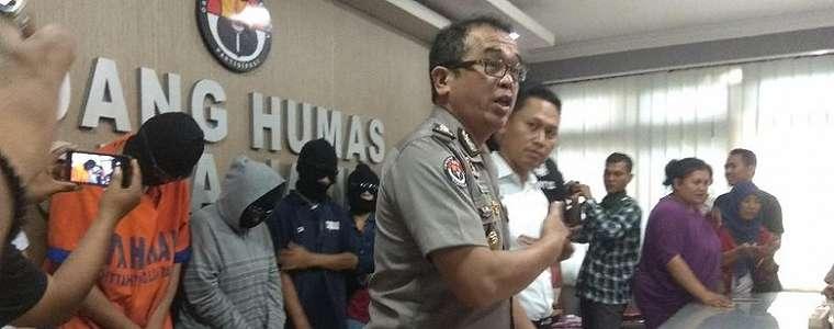 Polisi Gerebek Pesta 'Lendir' Komunitas Swinger di Surabaya